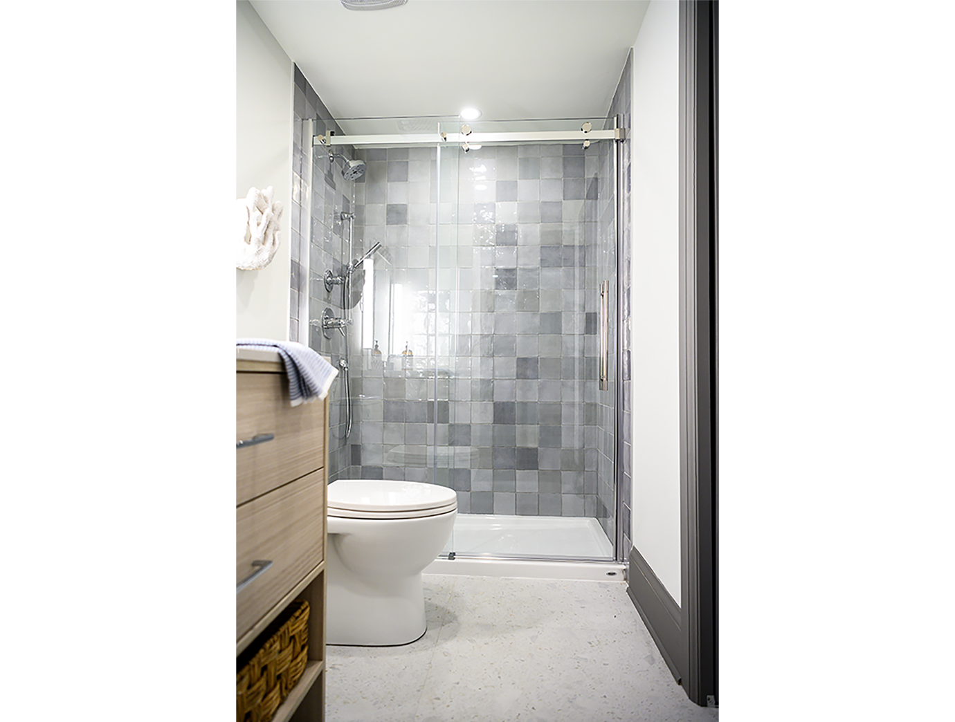 euro-tile-stone-cheo-dream-home-gawley-aritsan-bathroom